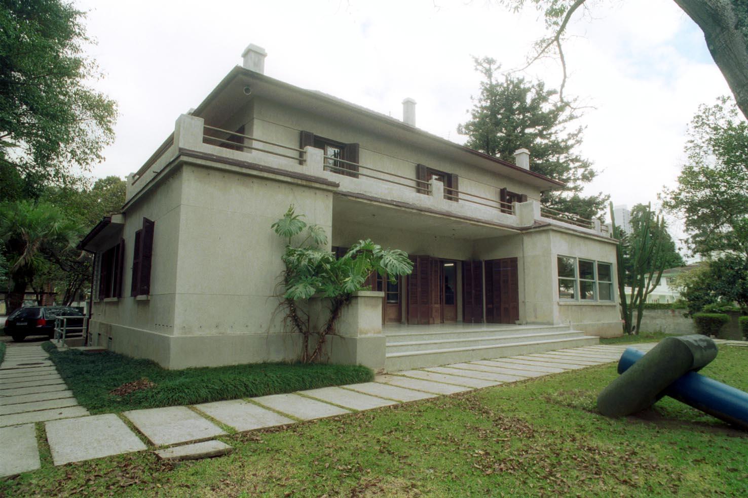 Casa Möller - fundos