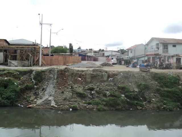 Binário Chile - Guabirotuba - execução de ponte sobre o Rio Belém - antes